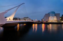 Harp Bridge Over River At Dublin By Night