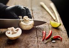 Ingredients For Tom Ka Gai Soup, Cutting Champignon