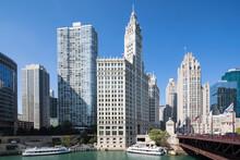 USA, Illinois, Chicago, Chicago River, Wrigley Building, Tribune Tower