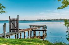 Germany, Mecklenburg-Western Pomerania, Zarrentin, Lauenburg Lakes Nature Park, Lake Schaalsee, Wooden Boardwalk