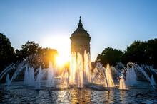 Germany, Baden-Wurttemberg, Mannheim,ÔøΩWasserturm Fountain At Sunset