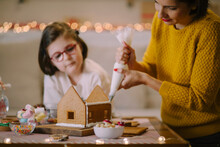 Decorating Gingerbread House