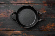 Black Empty Clay Pot With Copy Space For Text Or Food With Copy Space For Text Or Food, Top View Flat Lay , On Old Dark  Wooden Table Background