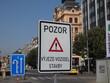 znaczenie, droga, ostrzegawczy, ruch drogowy, ulica, znak drogowy, symbol, parkin, podróż, przewozy, ostrożnie, auta, znak drogowy, oznakowanie, zółty, prawica, niebezpieczeństwo, sygnał, predkość, ni