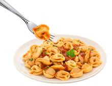 Capeletti, Massa Italiana, Com Molho De Tomate E Garfo Com Capeletti Saindo Do Prato Em Fundo Branco Para Recorte.