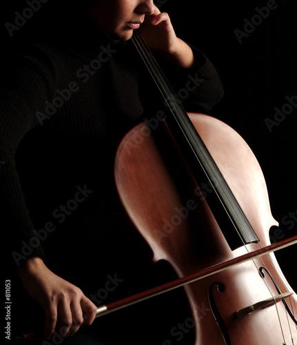 Fotografiet interprete de cello