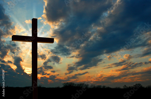 Carta da parati cross at sunset