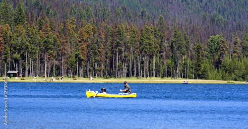 Cuadros en Lienzo canoeing on a lake