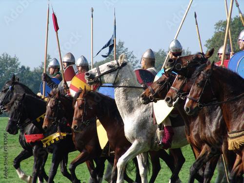 Slika na platnu norman horsemen line up for battle in hastings