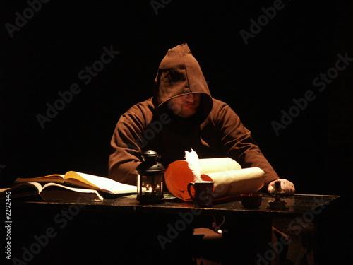 Fotografia mysterious monk