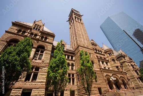 Foto The historic Old City Hall, downtown Toronto, Canada.