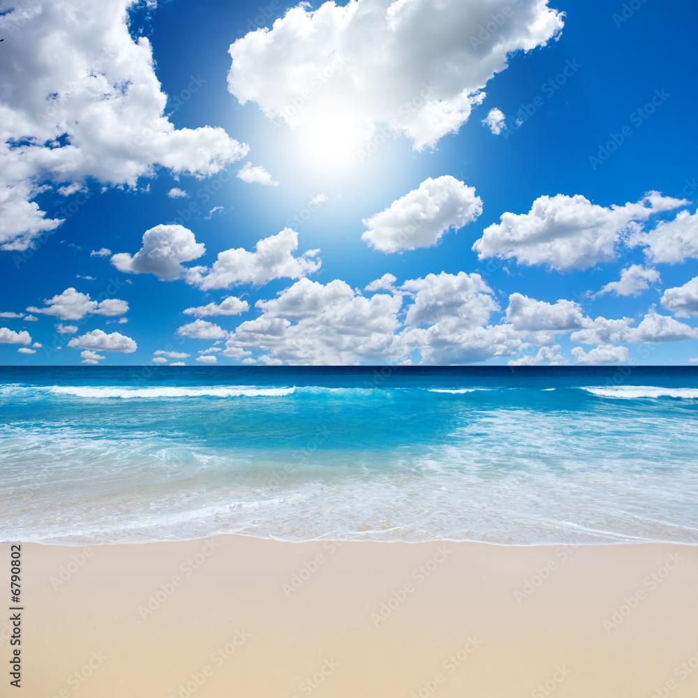 Leinwandbild Motiv - Kwest : Gorgeous Beach Landscape