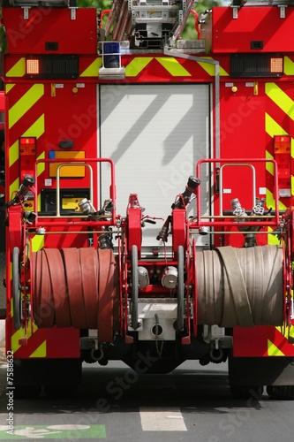 Valokuva Camion de pompiers sur une route