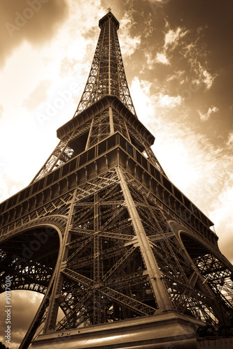 Eiffel Tower #9077030