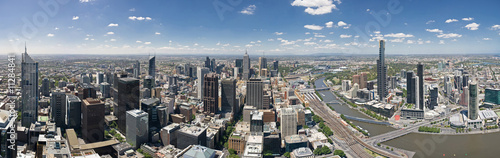 180 degree panorama of Melbourne facing east