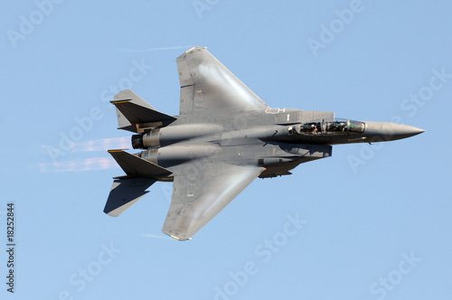 Photo Military jet fighter