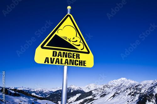 Avalanche, panneau dans les Alpes, Beaufortain France Fototapeta