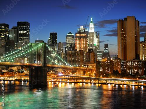 Fototapeta premium Nowy Jork Manhattan most po zmierzchu