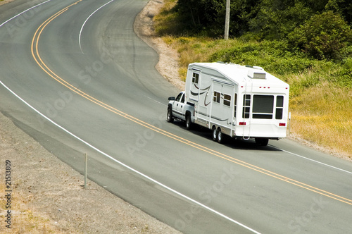 Fotografiet Recreational vehicles on the highway