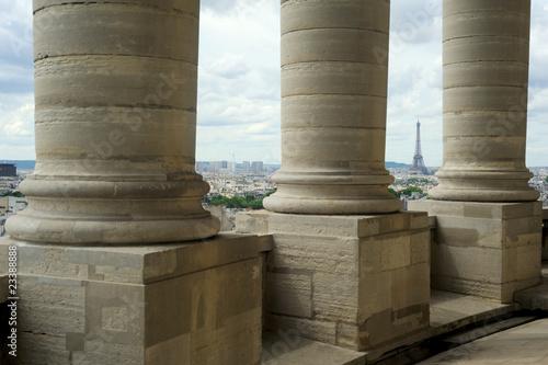 Leinwand Poster Colonnes du Panthéon et Tour Eiffel - Paris