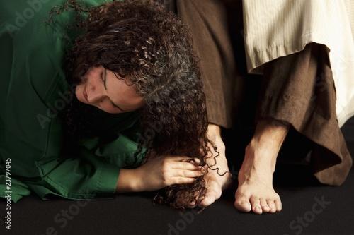 Wallpaper Mural Mary Magdalene Wiping Jesus' Feet