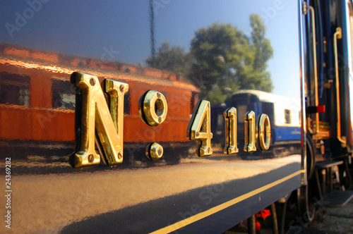 Canvas Print numbers on the train