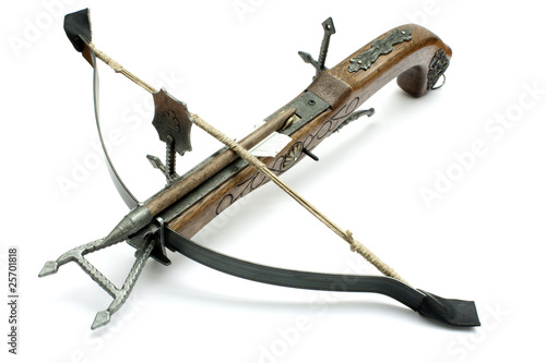 Fotografia old wood crossbow isolated in white background