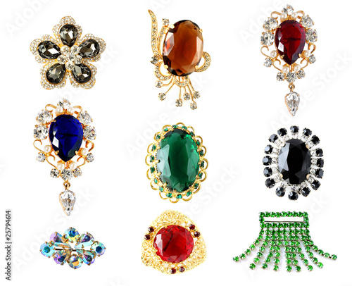 Foto collection of vintage brooches