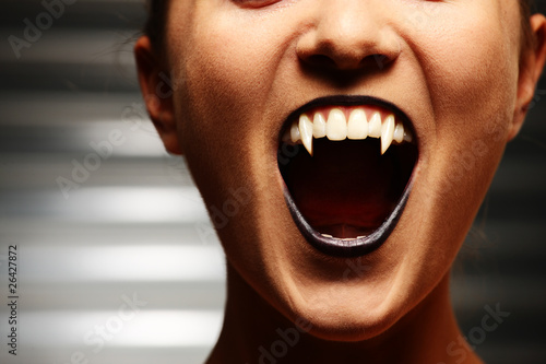Canvas Print Close up of a vampire woman's mouth
