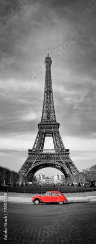 Naklejki na meble Wieża Eiffla i czerwony samochód - Paryż