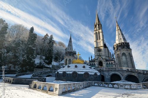 Photo Neige sur la cathédrale de Lourdes