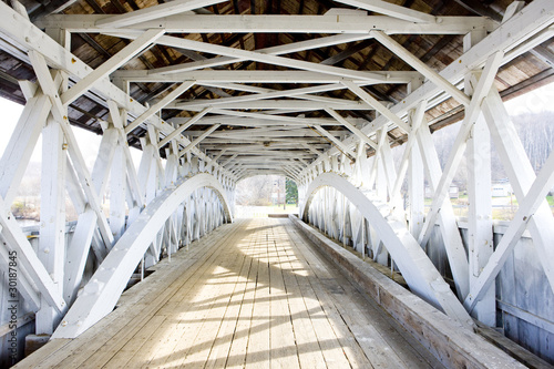 Fototapeta Stary biały most w New Hampshire, USA na wymiar XXL