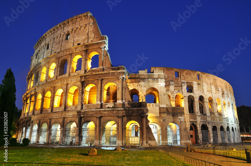 Canvas Colosseum at dusk