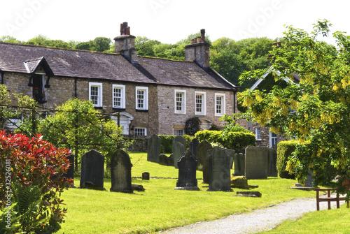 Row of village cottages Fototapet