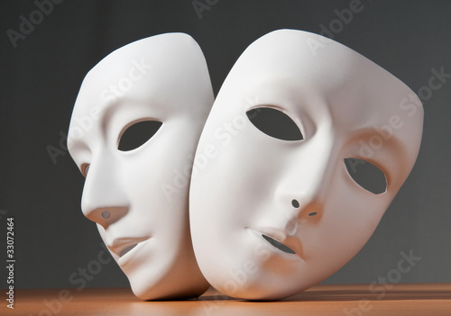 Fotomural Masks with theatre concept