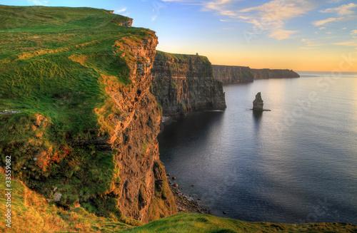 Cuadros en Lienzo Cliffs of Moher at sunset - Ireland
