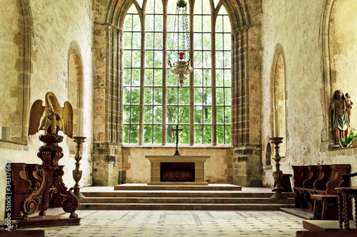 Foto Old church altar in the historic abbey of Lucerne in france