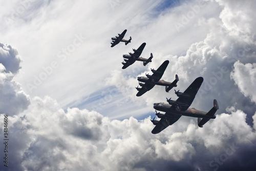 Canvas Print World War Two British vintage flight formation