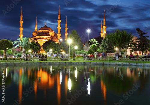 Fototapeta premium Błękitny Meczet z odbiciem - Stambuł
