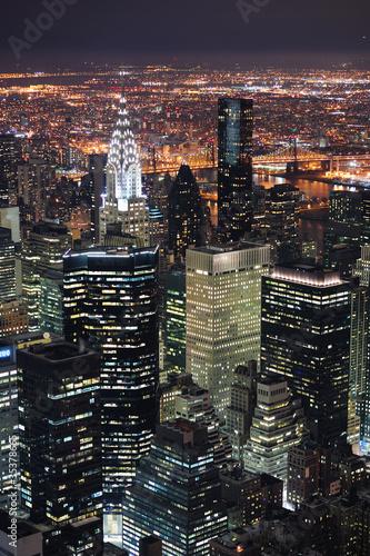 Fototapeta premium Widok na panoramę Nowego Jorku Manhattan o zmierzchu