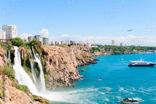 Fototapeta premium Wodospad Duden w Antalyi, Turcja