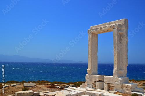 фотография door of an ancient greek teble in island naxos