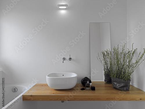 Cuadros en Lienzo dettaglio del lavabo bianco da appoggio in bagno