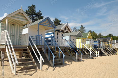 Obraz na plátne Beach huts on Holkham sands, North Norfolk
