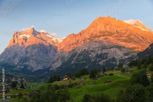 Canvas Print Alpenglow in Grindelwald, Switzerland