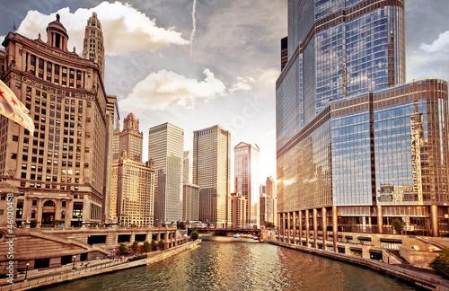 Fototapeta premium Chicago skyline o zachodzie słońca