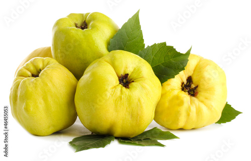 sweet quinces with leaves, isolated on white Poster Mural XXL