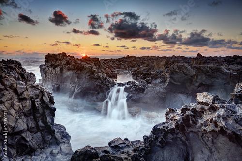 Canvastavla Gouffre de l'Etang-Salé au crépuscule - La Réunion