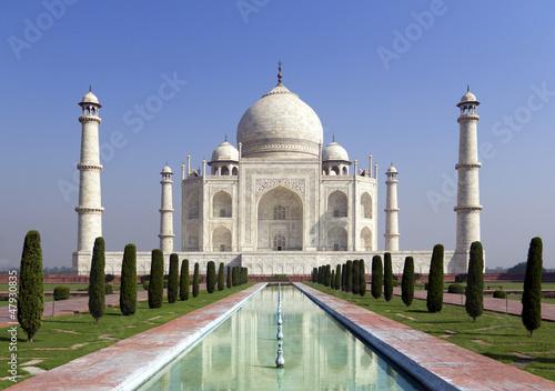 Obraz na plátně Taj mahal , A monument of love in India, Agra, Uttar Pradesh