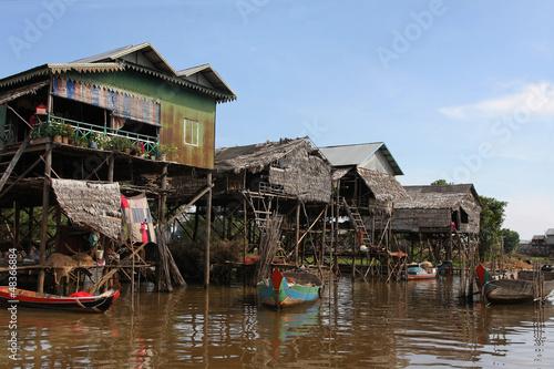 Obraz na płótnie Vue générale de la rue principale de Kampong Phluk